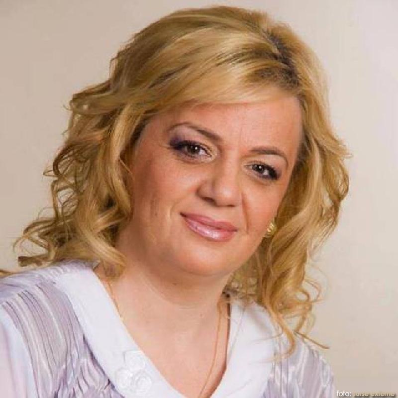 MAN Simona Allice