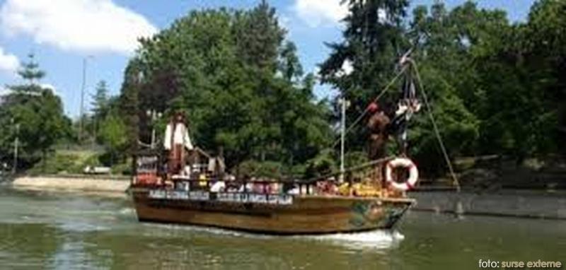 corabia-piratilot