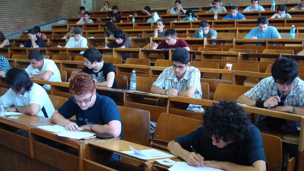 elevi in examen