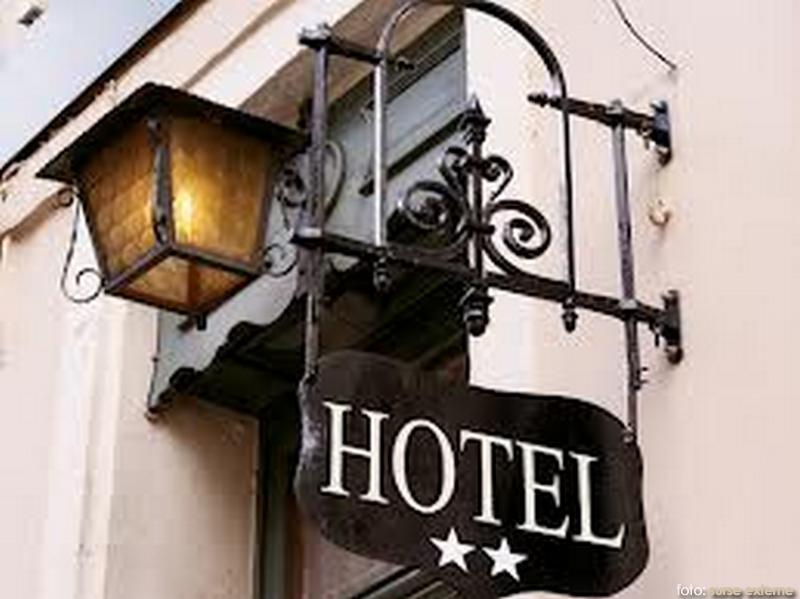 hotel-stele