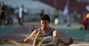 Adrian Vasile este campionul national la lungime