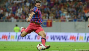 Piovaccari in meciul Steaua - Legia, 1-1, in prima mansa
