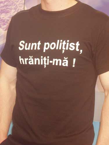 politist-protest-tricou