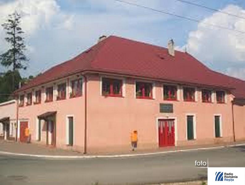 casa-de-cultua-Steierdorf