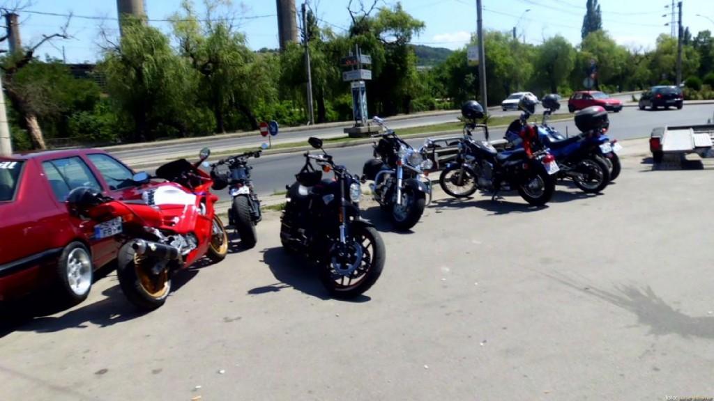 parada moto 3