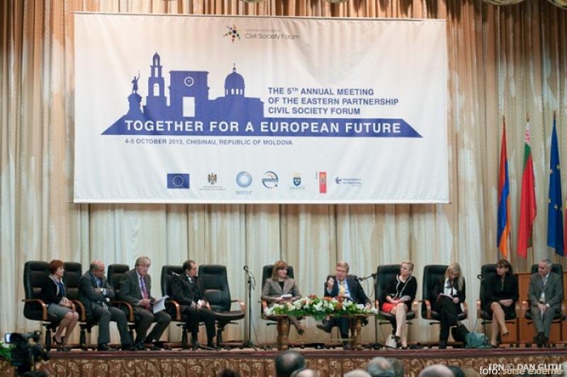 recomandarile-societatii-civile-din-tarile-parteneriatului-estic-in-ajunul-summit-ului-de-la-vilnius-1381034093