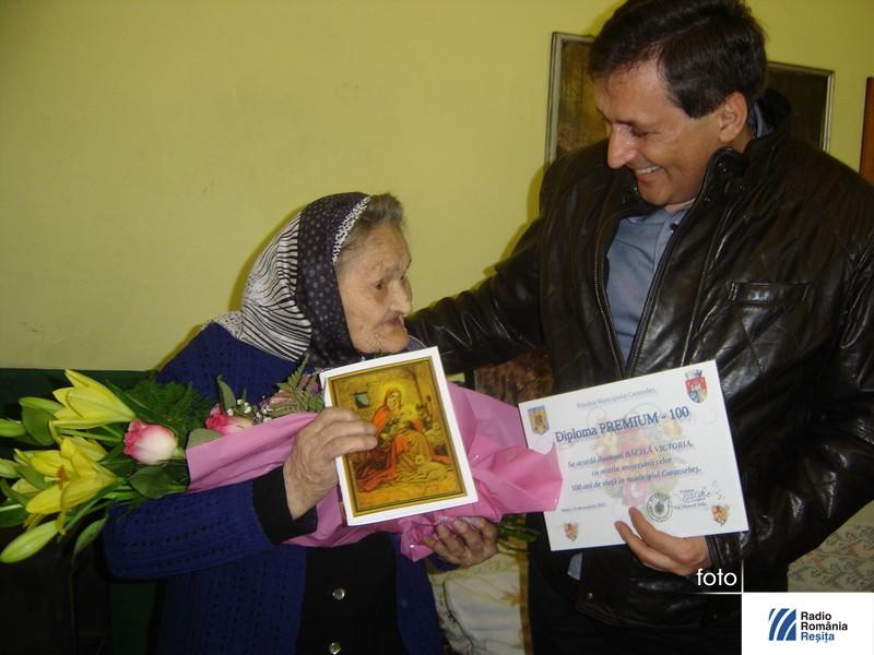 Baba la 100 de ani