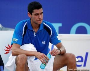Victor Hanescu eliminat in sferturi, la Doha