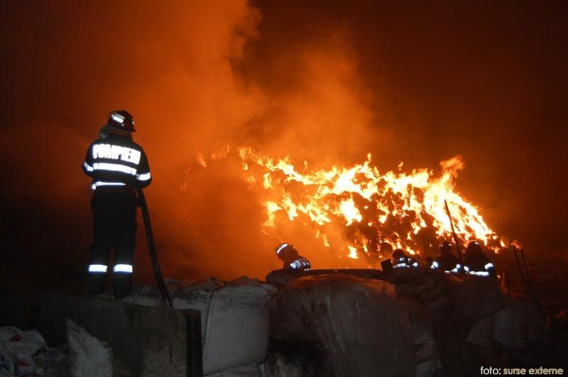 incendiu cu pompier