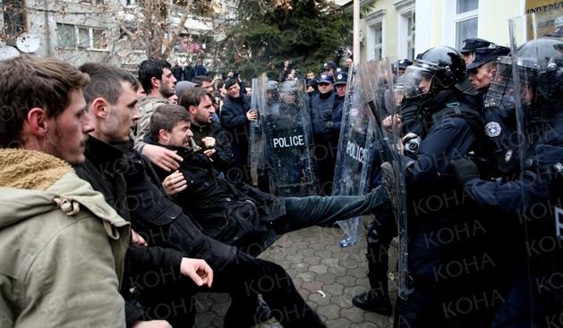 Kosovo proteste studenti - Sursa foto: Koha