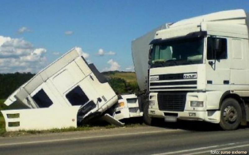 accident_camioane