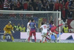 Fernando Varela gol in semifinala Steaua-Dinamo Stadionul National
