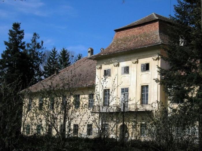 castelul Brukental Sambata de jos