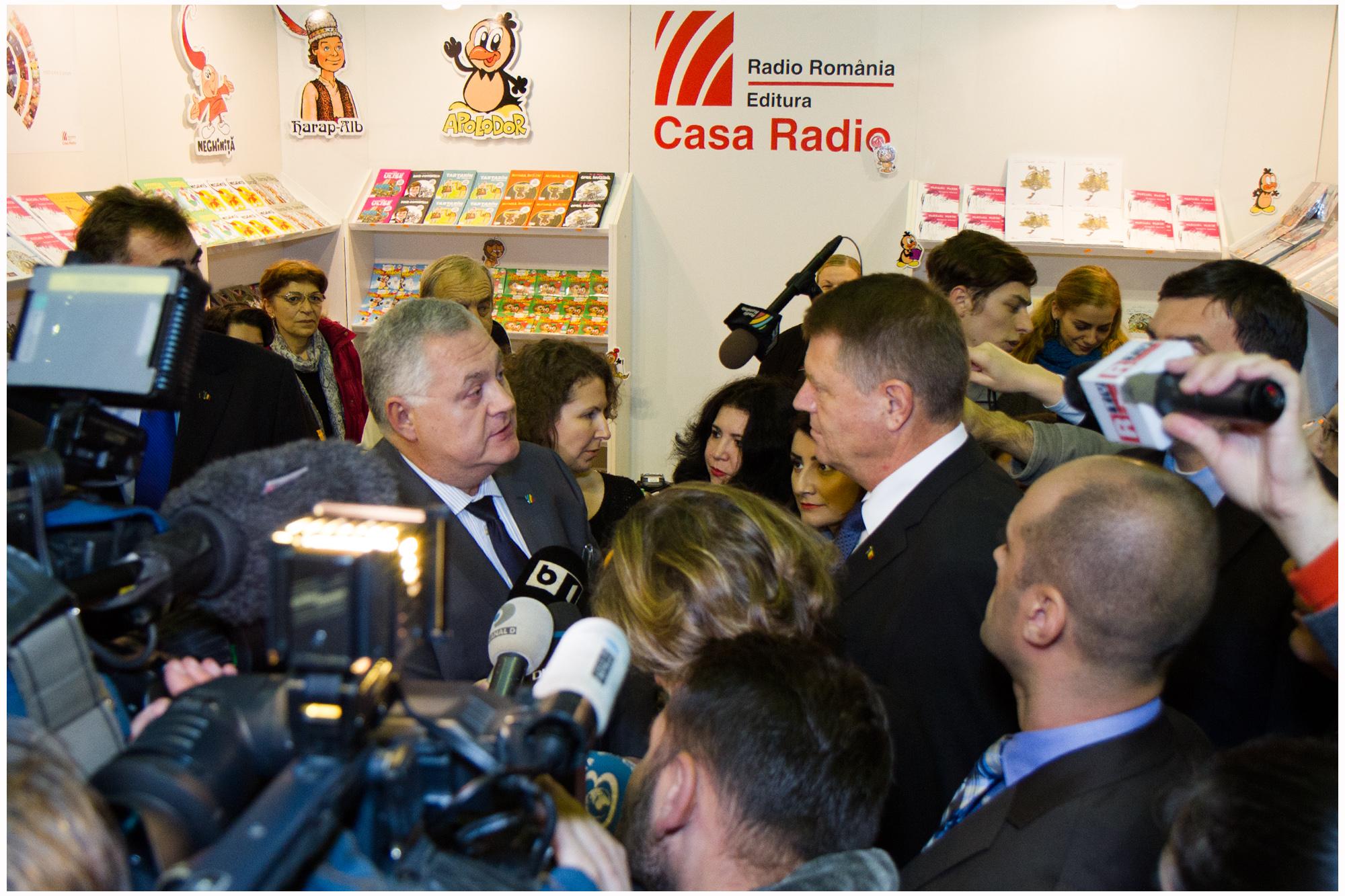 Iohannis la standul Radio Romania