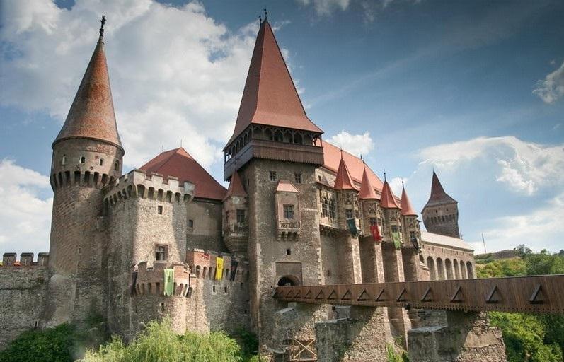 castel corvini - rfi.ro