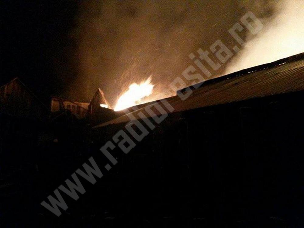 incendiu pompieri casa arsa (4)