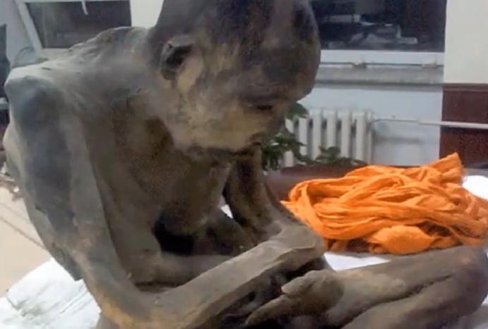 calugar-mumificat