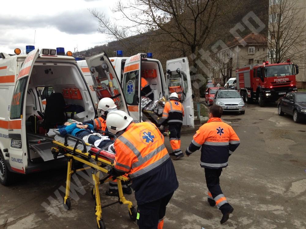 ambulante, accident, cutremur (6)