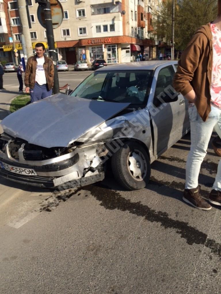 accident Kaufland Resita (3)