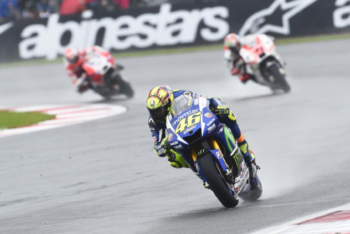 Valentino Rossi castiga cursa de la Silverstone