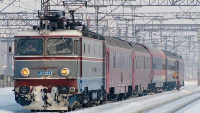 Három személyszállító vonat állt le egy mozdony meghibásodása miatt (Hunyad megye)